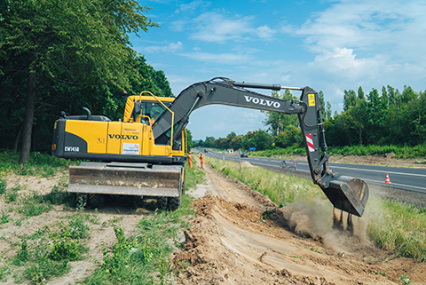 Volvo machinery paves the way for Ukrainian road improvements