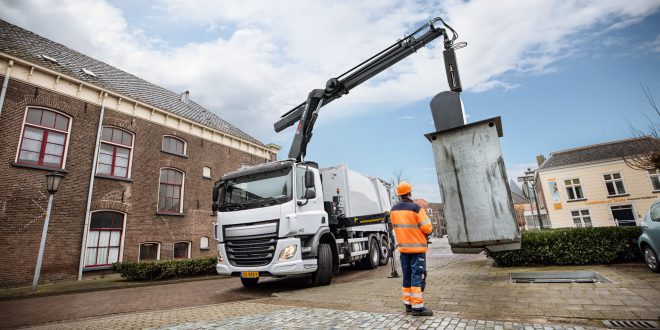 Hiab meets challenges of waste collection customers with new crane for underground containers
