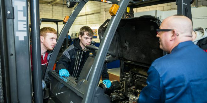 New apprenticeship standard agreed for lift truck