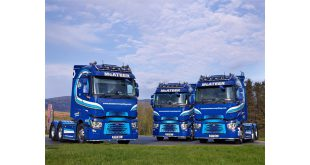 THREE TOP SPEC RENAULT TRUCKS T HIGHS FOR MCATEER RECYCLING