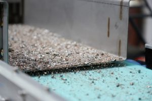 Metal mix feeding onto the second stage Rare Earth Roll Separator