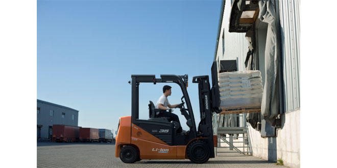 Doosan launch low-cost NXE Series electric forklifts