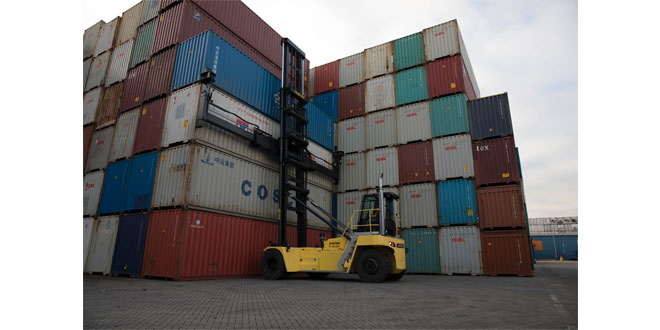 HYSTER DOUBLE CONTAINER HANDLING SOLUTION HELPS BOOST PRODUCTIVITY AT PORTS